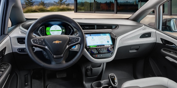 2017-bolt-ev-technology-INTERIOR