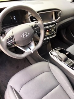 Easy to use controls and comfortable interior of the Ioniq.
