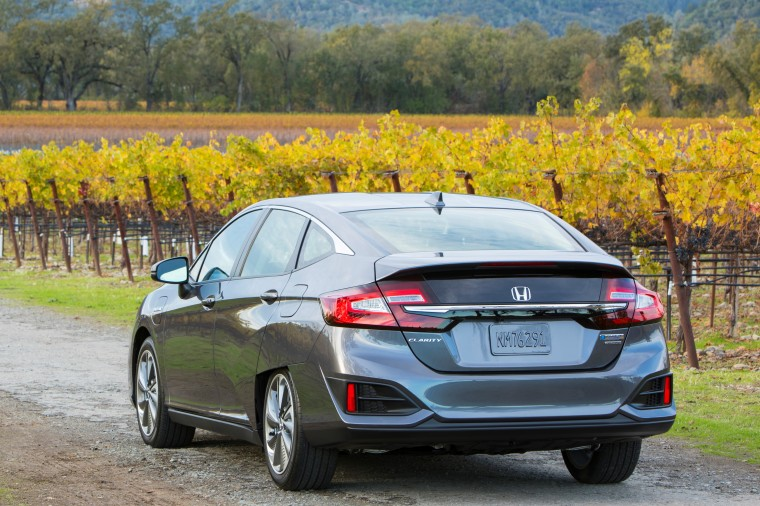 25 - 2018 Honda Clarity rear